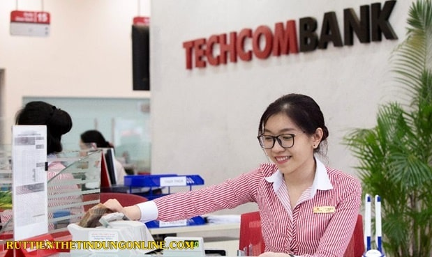 vay tien qua the tin dung techcombank