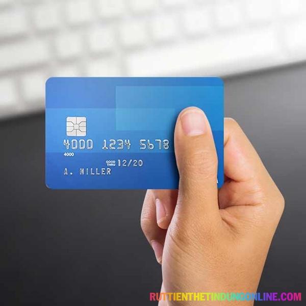 Bao nhiêu tuổi được làm thẻ tín dụng